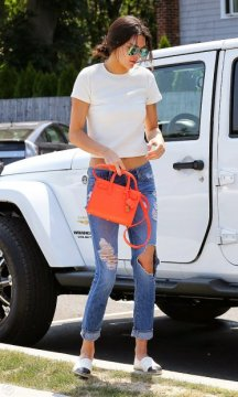 kendall-jenner-saint-laurent-nano-baby-sac-orange-bag